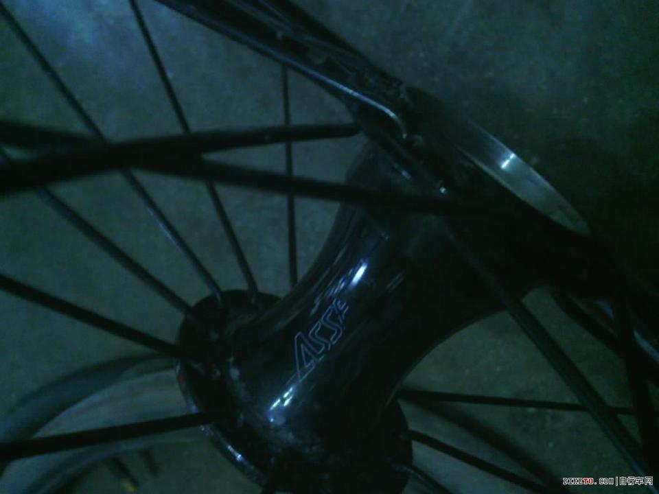 工具不全,好不容易拆了后轴轴承花鼓 biketo自行车论坛高清图片