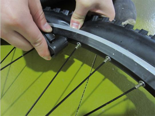 自行车轮胎拆装方法